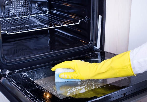 Professional Oven Cleaning-600x414-min